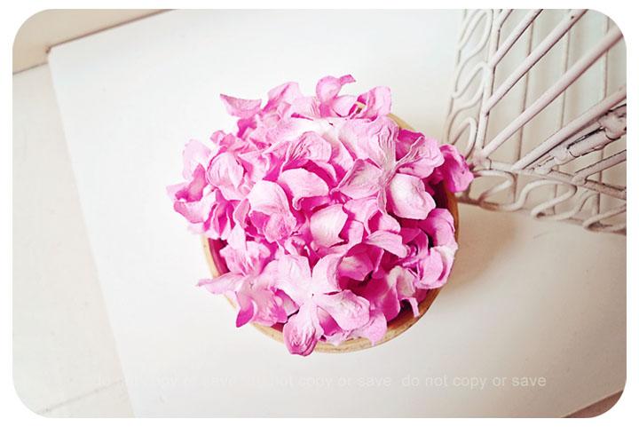 30 Pink Gardenia Curly Petals / pack