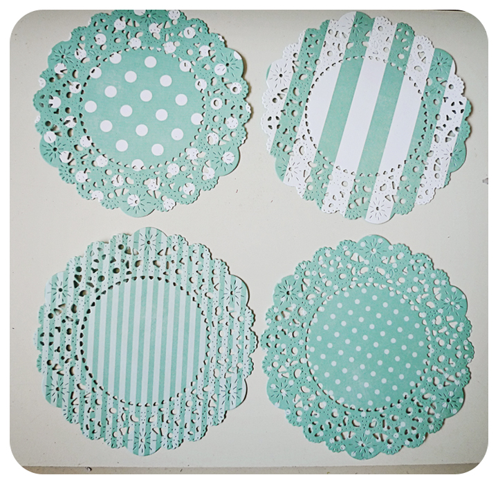 4 Parisian Lace Doily blue polka dot & stripe / pack