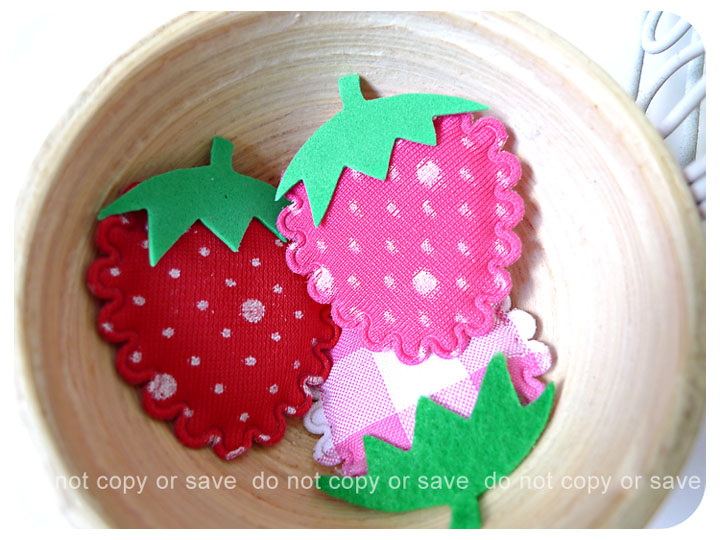 3 Strawberry felt with foam stem