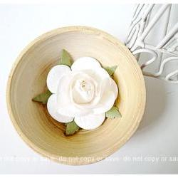 2 Rose Big paper flower white / pack